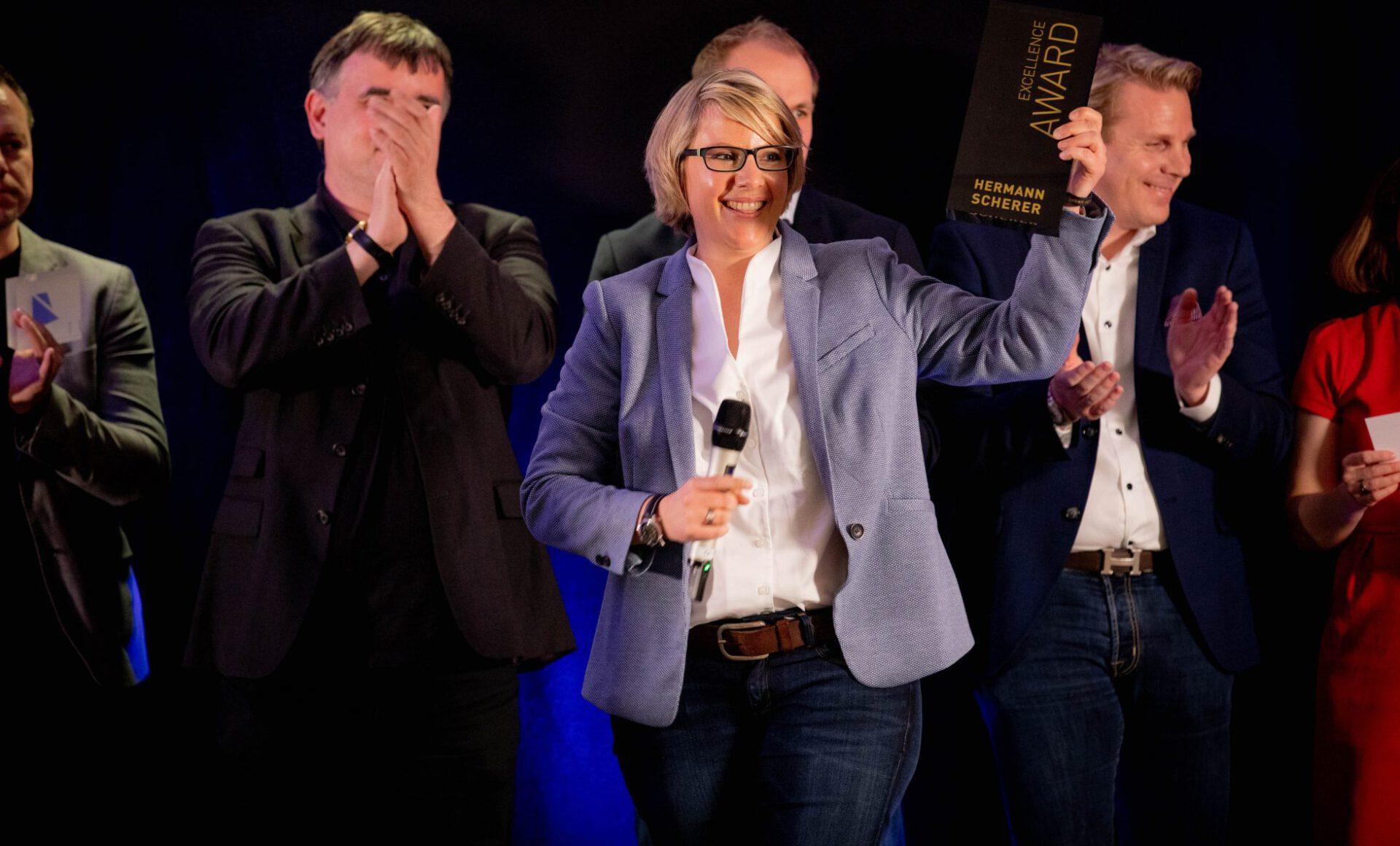 Katja Voigt gewinnt den weltgrößten Speaker Slam in München